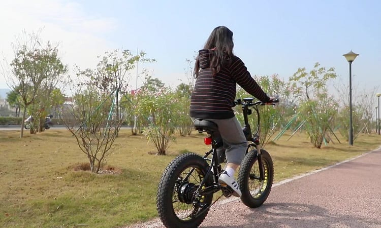 CAN YOU PUT FAT TIRES ON NORMAL BIKES?