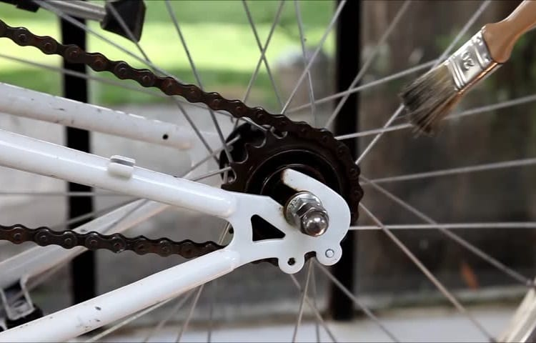 Keeping Your Chain in Top Shape with Chain Lube