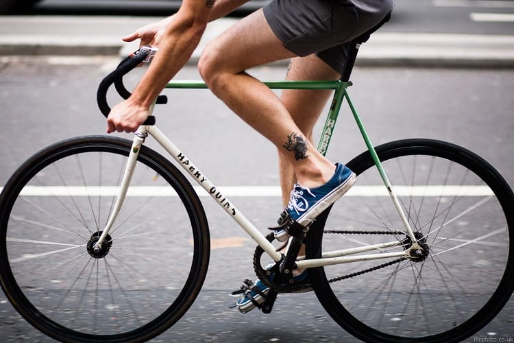 ARE FIXIE BIKES BETTER FOR COMMUTING?