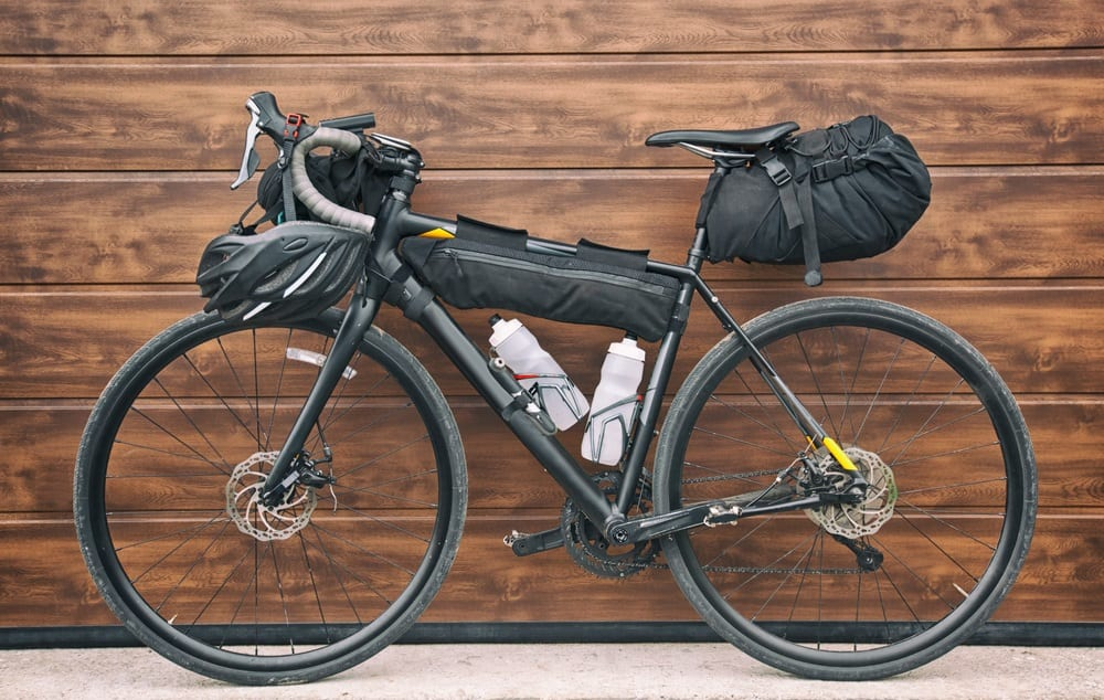 Gravel Bike vs Road Bike: Where They Shine and Where They Differ 2